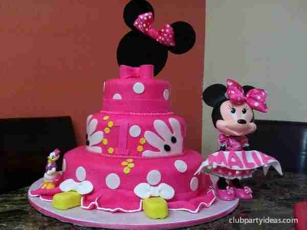 best_minnie_mouse_birthday_party-ideas_clubpartyideas_00012-min