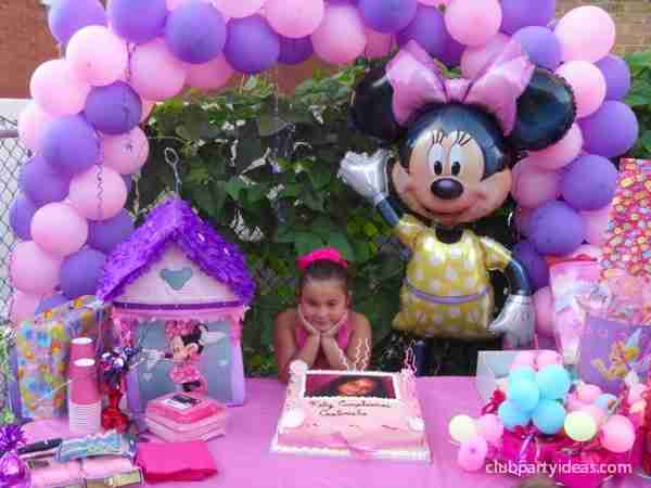 best_minnie_mouse_birthday_party-ideas_clubpartyideas_00014-min